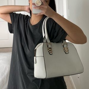 WHITE FAUX LEATHER SHOULDER BAG